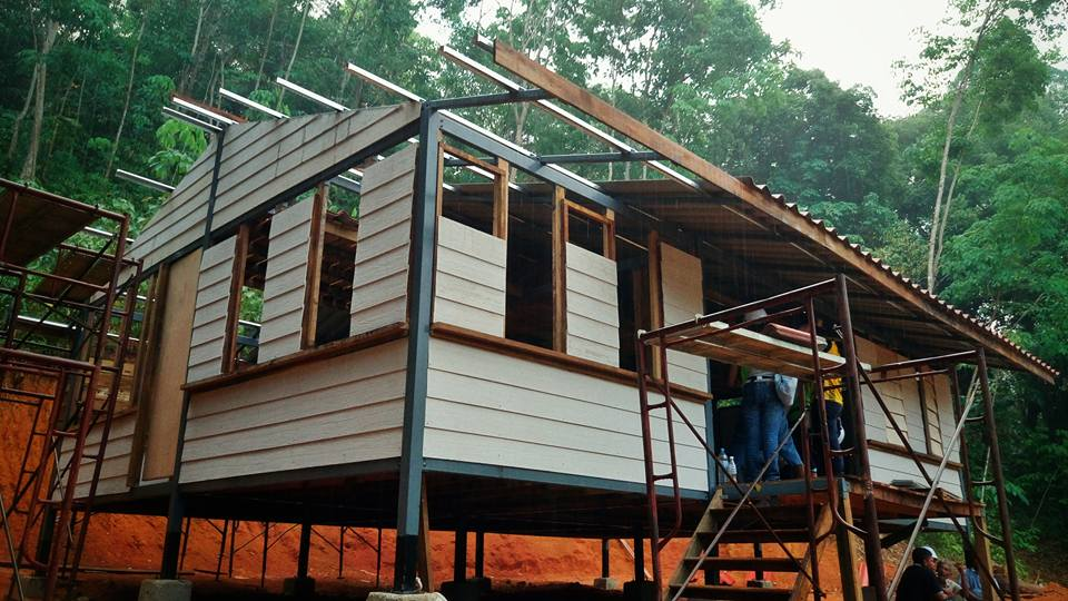 Jungle cabin in Malaysia with Shera board walls in place