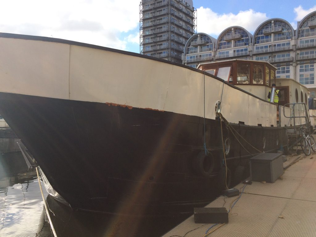 Biggest London houseboat in the city
